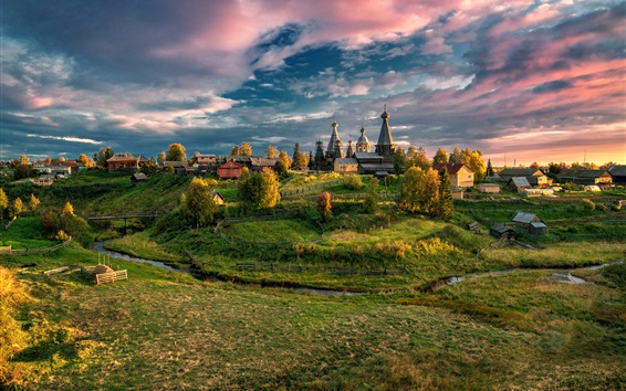 Fondos de pantalla región de Arkhangelsk, Rusia, pueblo, árboles, hierba, otoño, las nubes