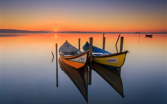 Fondos de pantalla Canoa, barcos, lago, salida del sol, la reflexión del agua