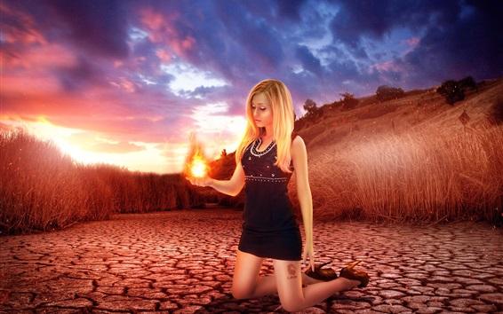 배경 화면 창조적 인 그림, 금발 소녀, 그녀의 손을 손바닥, 잔디, 황혼에서 불