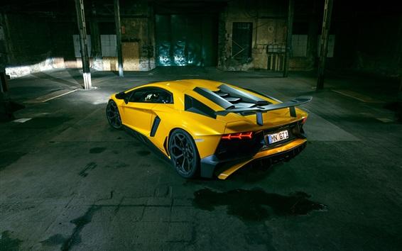 Обои Lamborghini Aventador LP 750-4 SV желтый суперкар вид сзади