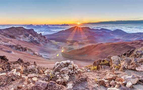 Обои Красивый восход солнца, пик, горы, скалы, облака