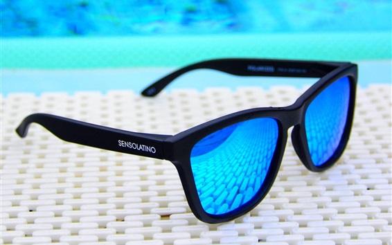 Wallpaper Blue sunglasses