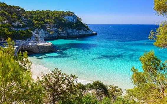 Fond d'écran Cala Mitjaneta, île de Minorque, Espagne, mer bleue, côte, arbres