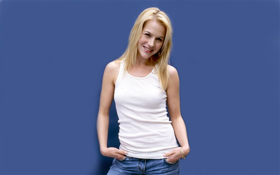 Wallpaper Julie Benz 01