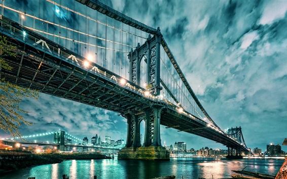 Fondos de pantalla Manhattan, EE.UU., puente, rascacielos, luces, agua, nubes