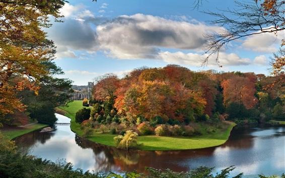 Обои Красивые осенние пейзажи, река, деревья, дома