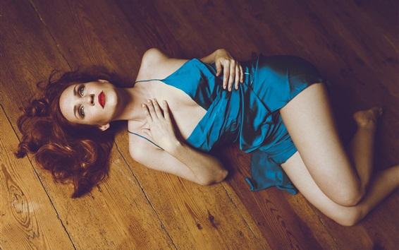 Papéis de Parede menina vestido azul deitado no chão