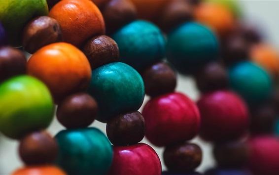 Обои Красочные деревянные шары, украшения