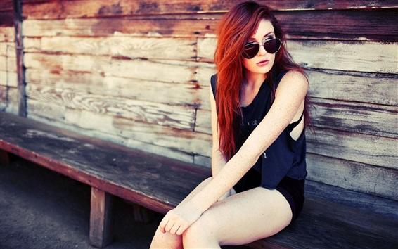 Fondos de pantalla chica de moda el pelo rojo sentarse en la silla