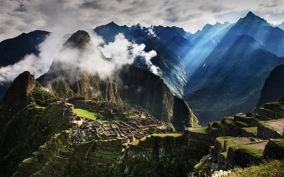 Fond d'écran Voyage au Pérou, Machu Picchu, montagnes, brouillard, matin, les rayons du soleil