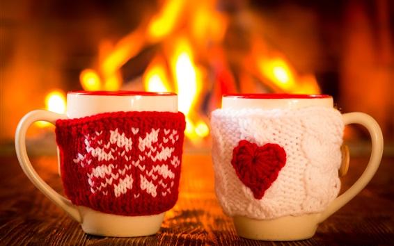 Обои Две чашки, рукавица, зима, огонь