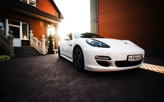 Обои Белый Porsche суперкар, вилла