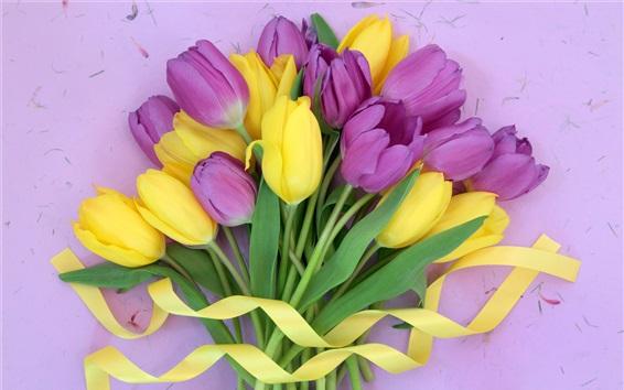 Fondos de pantalla Ramo de flores, tulipanes amarillos y morados