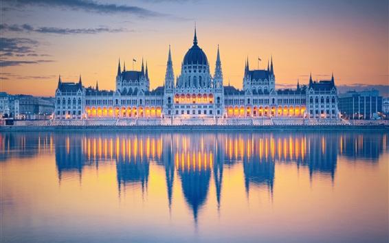 Обои Венгрия, Будапешт, Парламент, вода отражение, река, свет, облака, рассвет