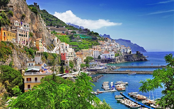Fondos de pantalla Lecce, Italia, bahía, casas, yates, mar, nubes, montaña
