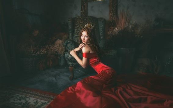 Обои Красное платье Азиатская девушка в комнате