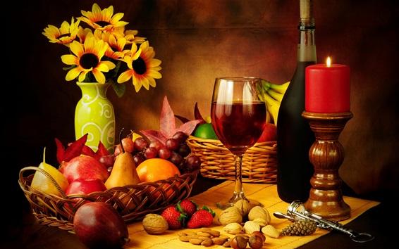 壁紙 静物写真、ブドウ、リンゴ、イチゴ、ワイン、ボトル、花、ろうそく