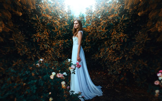 壁紙 庭に白いドレスの女の子、王冠