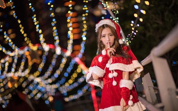 Обои Азиатская девушка Рождество, красочные огни