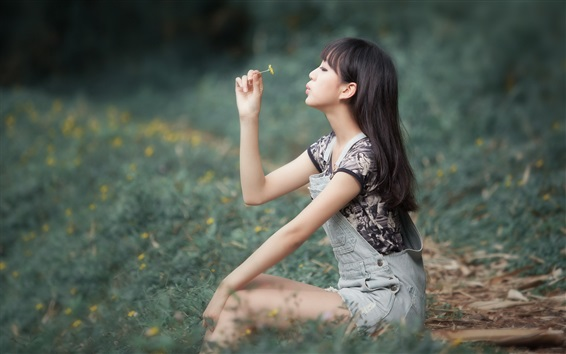 Wallpaper Asian girl play flower