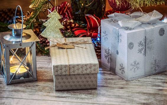 Обои Рождественские украшения, фонарь, коробки, свечи, подарки