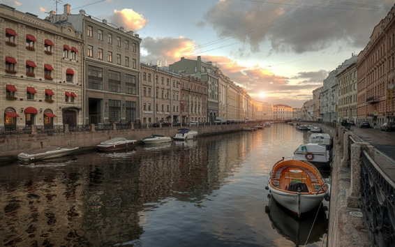 Обои Ленинградская область, город, река, лодки, дома, закат, Россия