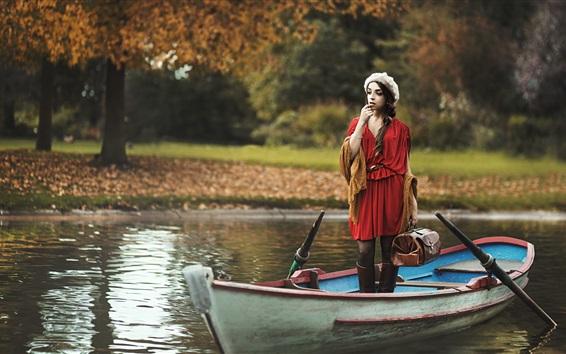 Fondos de pantalla Muchacha roja del vestido en un barco