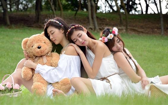 Wallpaper Three Asian girl sleeping with teddy bear