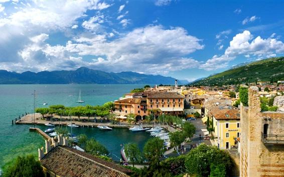 Papéis de Parede Veneto, Torri del Benaco, Itália, cidade, baía, casas, barcos, nuvens