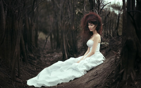 Wallpaper White skirt Asian bride lost in forest