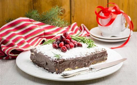 Обои Шоколадный торт, десерт, ягоды, нож