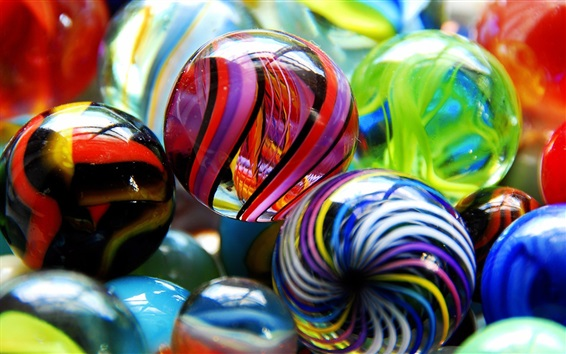 Wallpaper Colorful glass balls