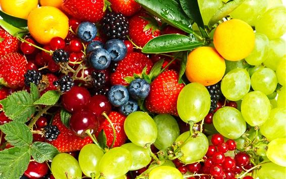 Fond d'écran Fruits délicieux, raisins, groseilles, fraises, bleuets, cerises