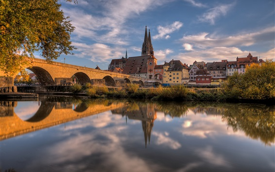 Wallpaper Germany, Bayern, Regensburg, cathedral, houses, river, bridge, autumn