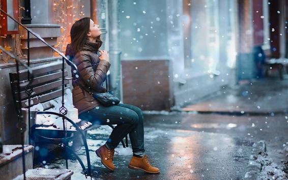 Fond d'écran Fille en hiver, rue, ville, banc, neige