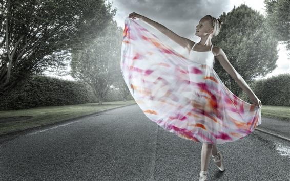 Fond d'écran Cute girl, ballerine, belle jupe, la route, les arbres