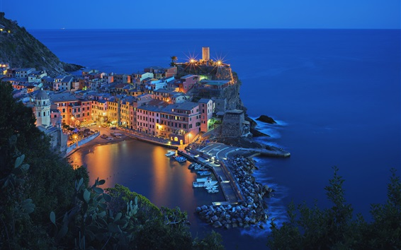 Wallpaper Italy, Vernazza, Cinque Terre, beautiful night view, houses, sea, lights