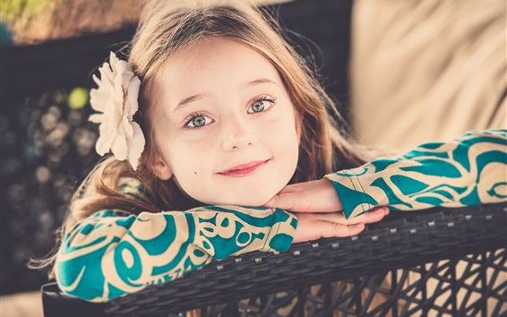 Wallpaper Lovely little girl smile