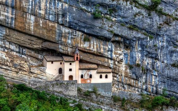 Fond d'écran La maison construite à la falaise