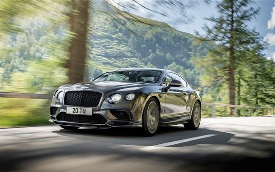 Обои 2018 суперкар Bentley Continental GT в скорости