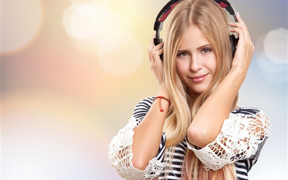 Fond d'écran Blond, girl, Écoute, musique, écouteurs