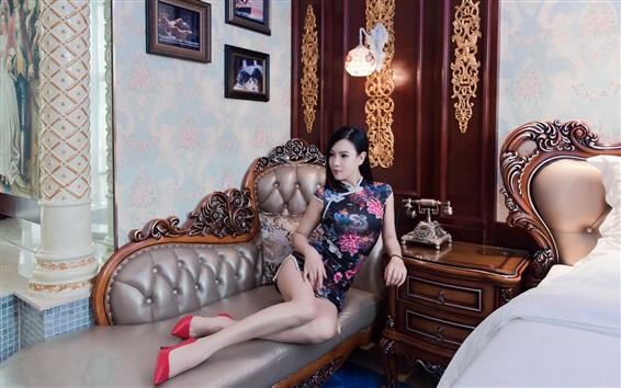 Fond d'écran Chinois cheongsam fille, canapé, lit, style rétro