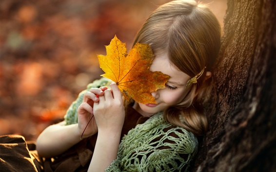 Wallpaper Shy little girl, maple leaf, smile
