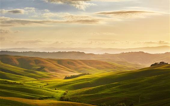Fond d'écran Toscana beau paysage naturel, prairies, nuages, lever du soleil, Italie