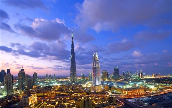 Papéis de Parede Dubai, arranha-céus, edifícios, noite, luzes, nuvens