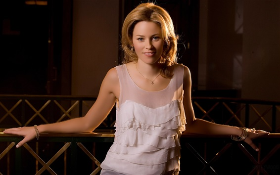Wallpaper Elizabeth Banks 02