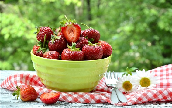 Wallpaper Fresh strawberries, bowl
