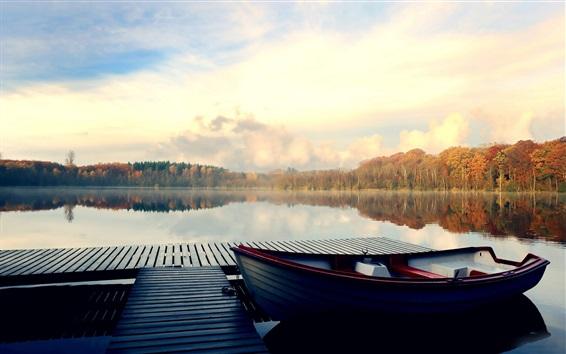 Обои Озеро, пирс, лодки, деревья, осень