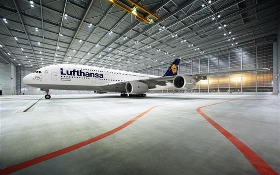 Papéis de Parede Airbus A380 avião de passageiros parou no aeroporto