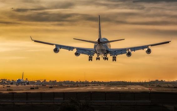 Wallpaper Boeing 747 airplane take off